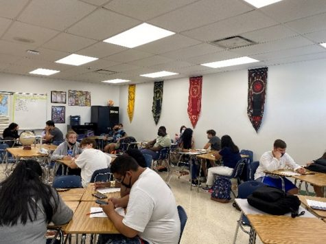 Traditional Schools, on the rise compared to your IB, STEM and Magnet Schools in Tampa Bay